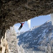 Mixed climbing, ice climbing, Hyalite Canyon, the cave,